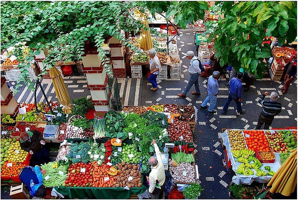 Пазарен ден и богато разнообразие от свежест и екзотика