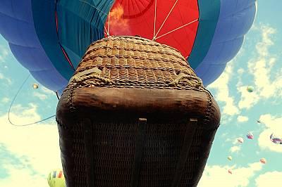 """""""В небето над нас""""Подгласник, първо място в категория """"На почивка"""" Снимката е направена по време на Международния празник на бало..."""